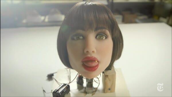 sexo con androides cabeza robot